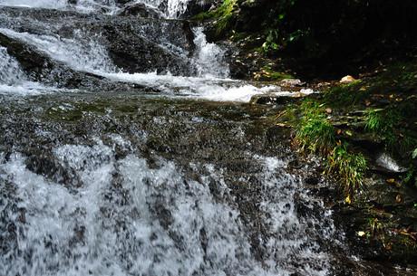群馬県北軽井沢魚止めの滝情報