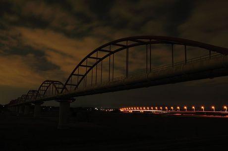 埼玉県鴻巣市水管橋夜写真
