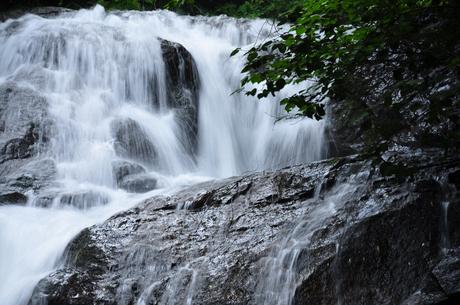 群馬県長野原町魚止めの滝写真